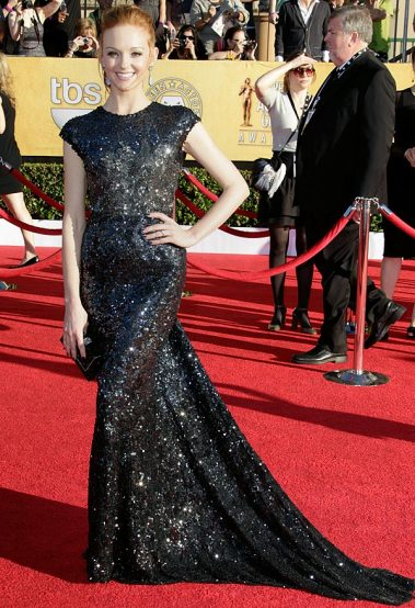 Jayma Mays in head to toe glitter in a Reem Acra number. The shape + fit of this dress is absolutely perfect on her, and, well, I love sequins — enough said.